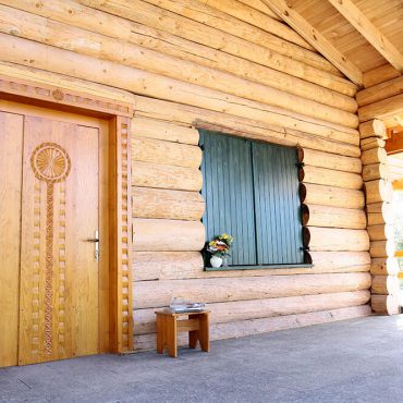 Casele din lemn tot mai preferate de români